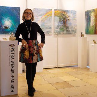 Kunstpräsentation von Petra Wenski-Hänisch als Beispiel für Künstler-Image-Coaching